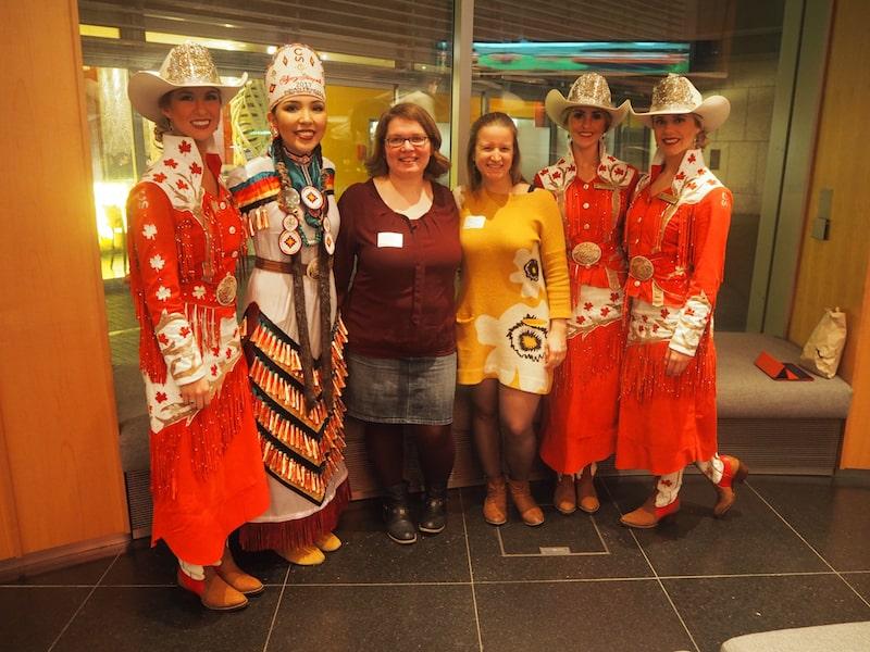 """... und dieses Foto / Gänsehaut-Feeling wird mir so schnell auch nicht vergehen: Eingeladen beim Abend auf der kanadischen Botschaft in Berlin mit unseren """"Calgary-Girls""""!"""