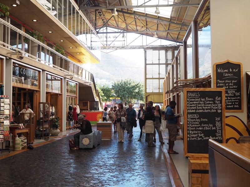 ... heißt unter anderem nur fünf Gehminuten zum neu eröffneten, sehr schicken Watershed Market ...