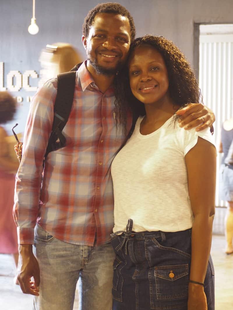 """Dazu kommt, dass unsere südafrikanische Reise-Organisatorin Aletta """"endlich"""" ihren Mann wiedergesehen hat: Rührend (und wunderschön) die beiden!"""
