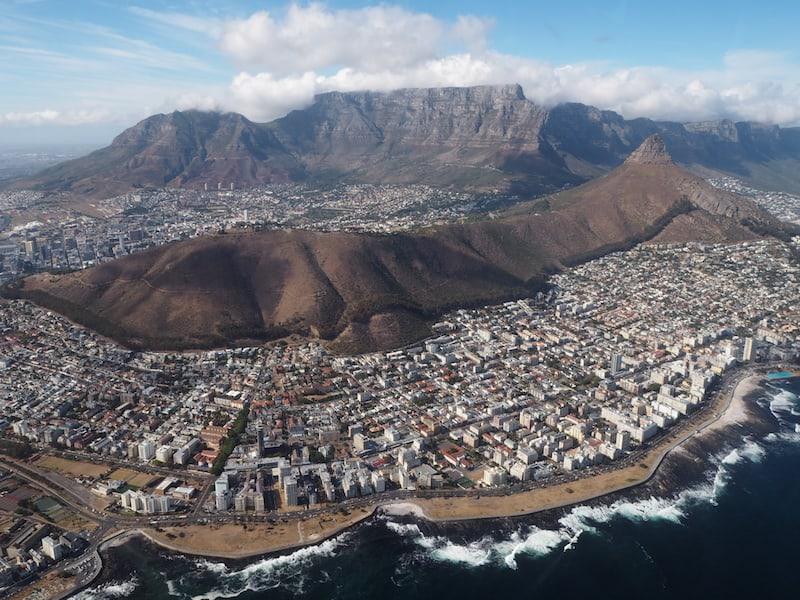 Faszinierend schön: Der Blick auf Kapstadt aus der Sicht des Helikopters ...