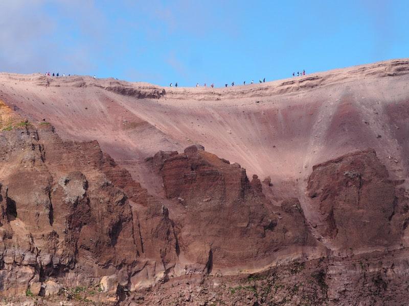 Ich liebe diesen faszinierenden Ort eines mächtigen Vulkankraters, wenngleich mir Vorstellungen über seinen Ursprung stets unheimliche Schauer einjagen ...
