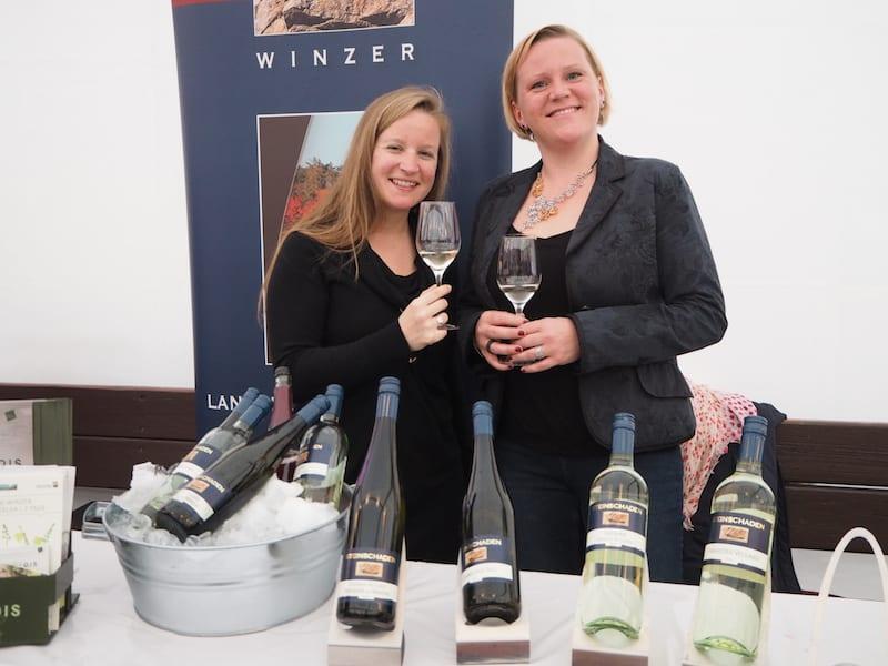 ... passend dazu, der gute Grüne Veltliner aus der Heimat: Prost und Dankeschön, liebe Andrea & Karin vom Weingut Steinschaden in Langenlois, meiner Nachbargemeinde im Kamptal ...