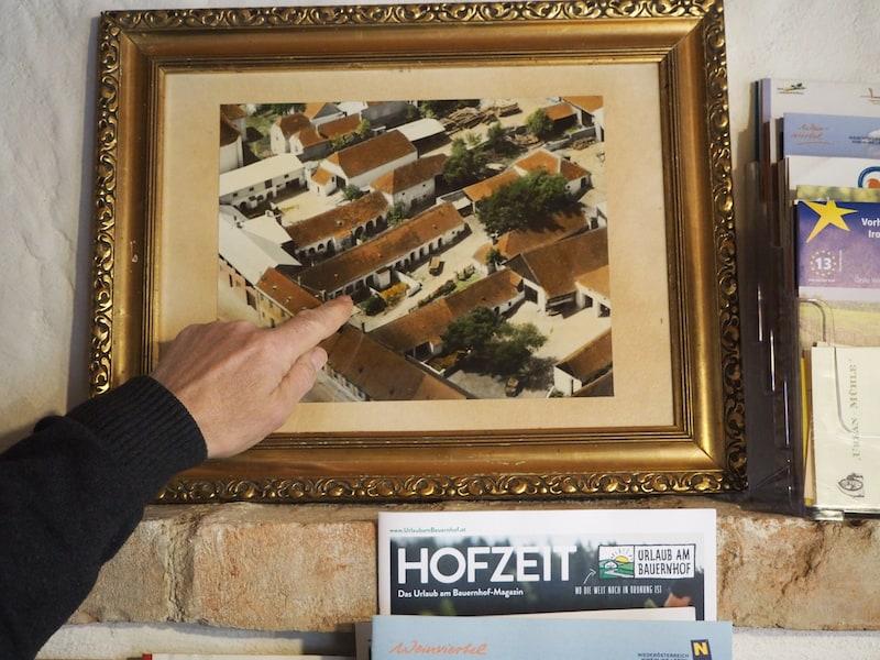 ... einem typischen Landhaus, wie es für die Gemeinde im Nordosten Österreichs typisch ist ...