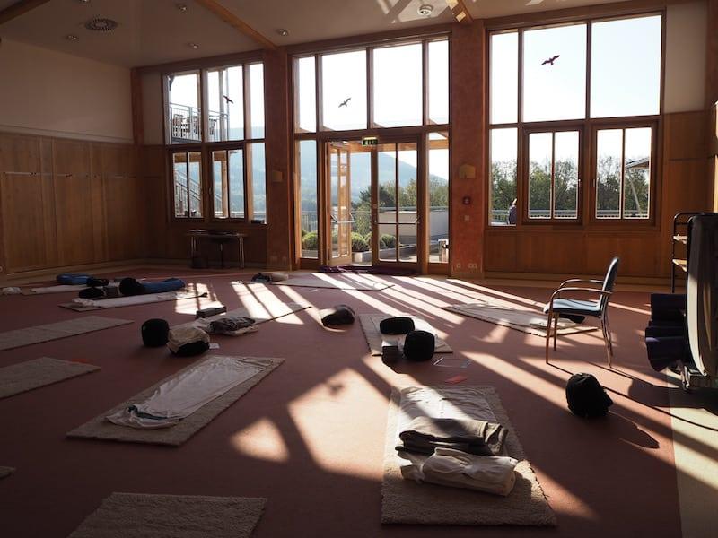 ... sowie beim Morgen-Yoga mit der lieben Christa ...