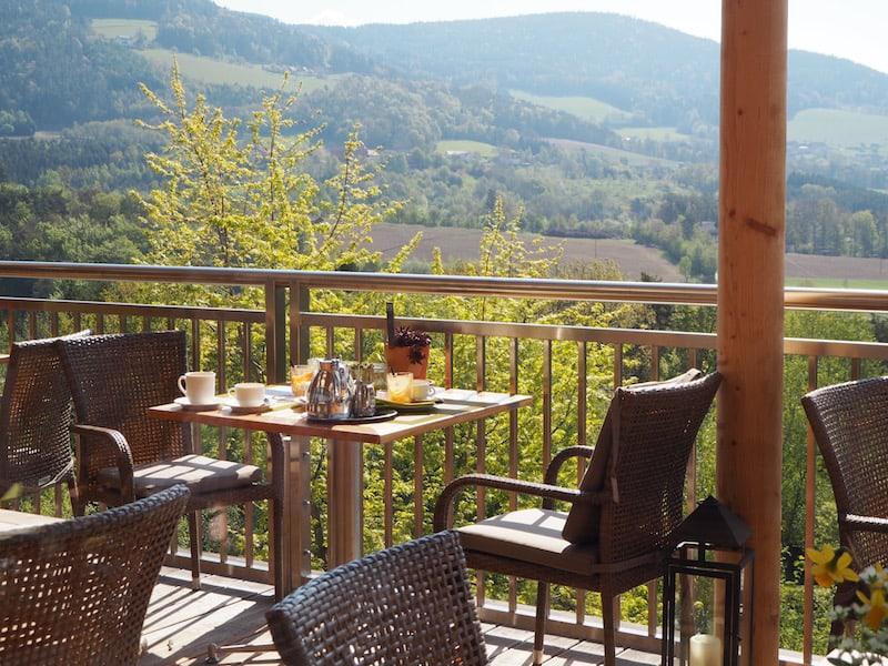 ... das Frühstück schmeckt in dieser herrlichen Atmosphäre auf gleich doppelt so gut ...