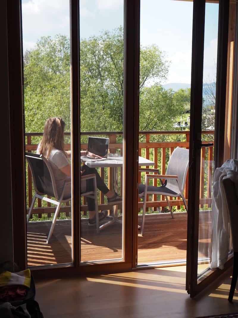 ... und zwischen dem #LifeOfATravelBlogger mit Laptop auf der Sonnenterrasse ...