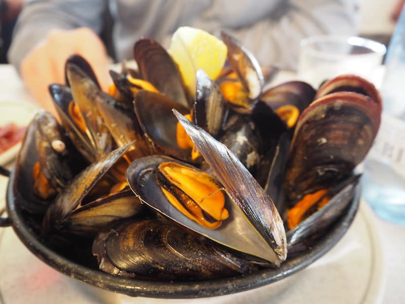 "Even ""further up the road"", on the street from Figueres to Llançà, you can find ... serving both tapas and restaurant meal options. I could live off the fresh mussels ... The best !!"