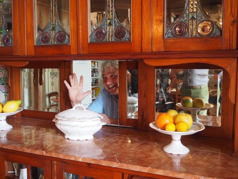 ... und während Marian's Mann Manel noch aus der Küche grüßt ...