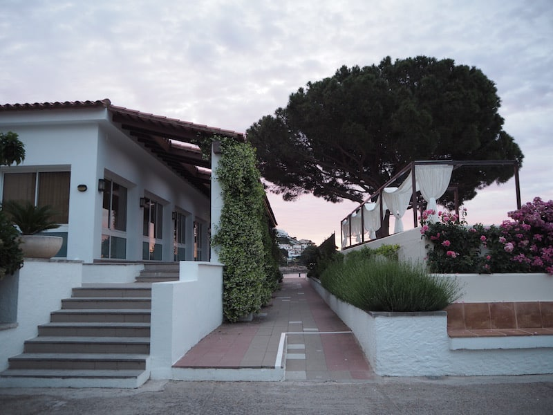Hotel Can Miquel, with its cosy, modern rooms, adjacent restaurant and open sea views ...