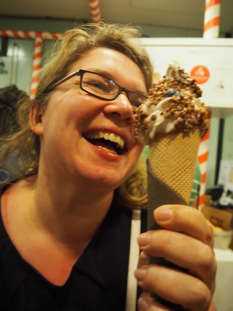 Ach, und das gute Eis .. Fast hätte ich's vergessen. Oder, Janett?