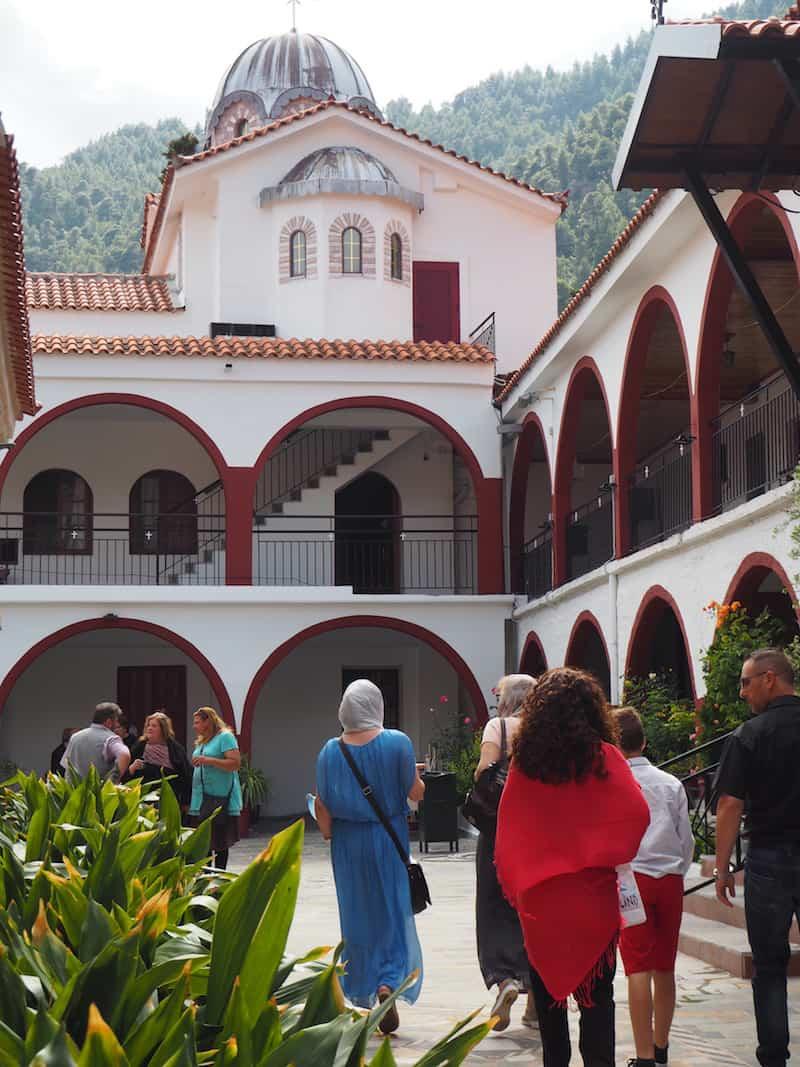 ... eine wichtige Pilgerstätte für orthodoxe Gläubige aus dem Osten Europas ...