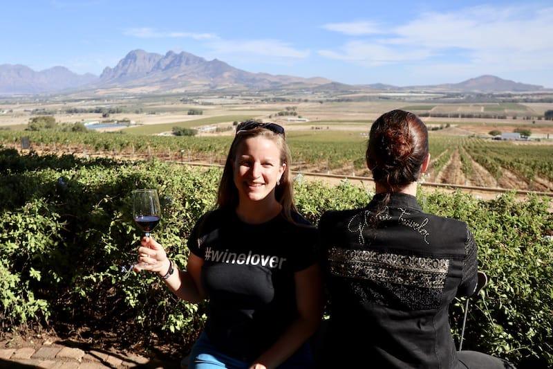 "Statt Reisemesse, beim ""Mini-Bloggertreffen"" mit CreativElena in Südafrika - Prost! Foto (c) Christina Leutner / CitySeaCountry."