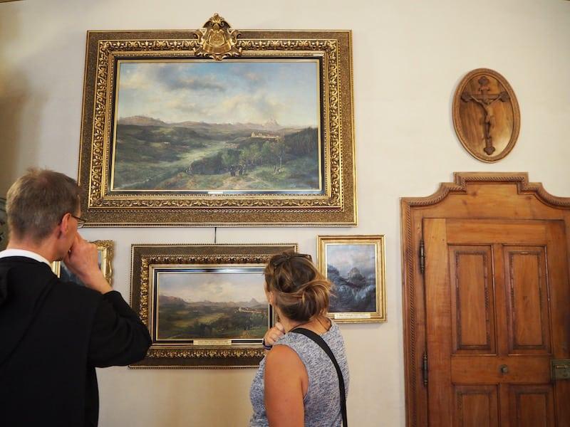 ... der Freude von Pater Daniel, uns zahlreiche geschichtliche Details rund um die klösterlichen Museumsammlungen ...