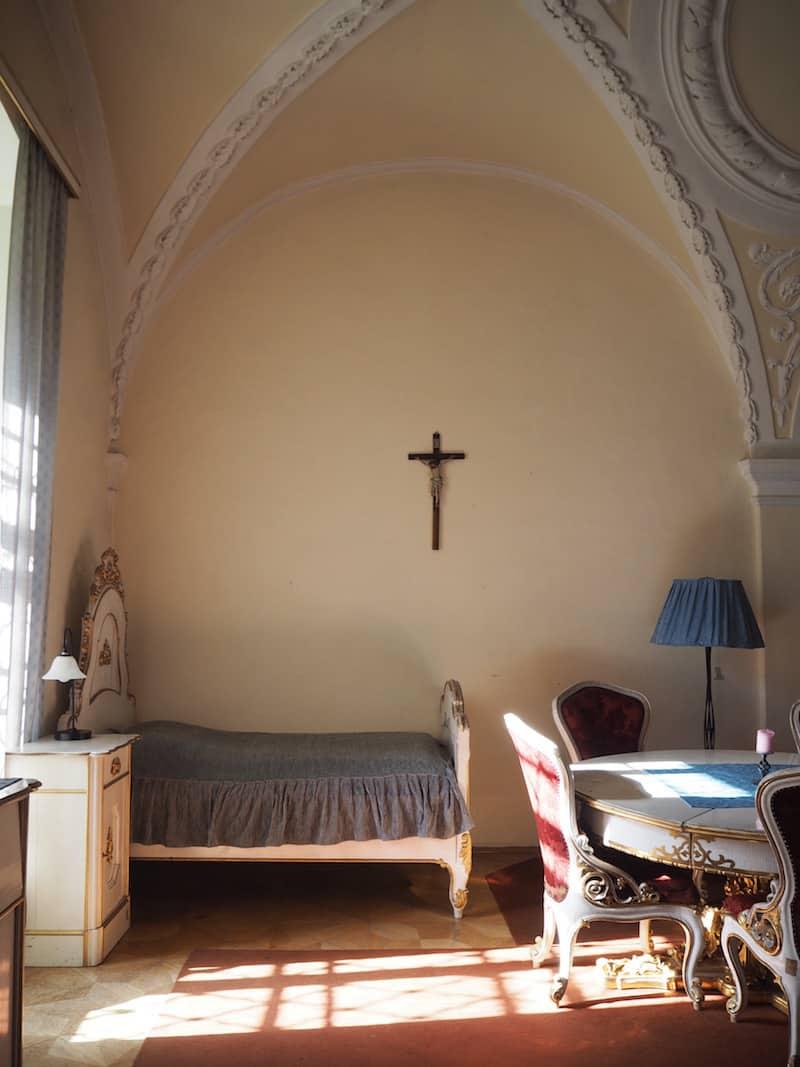 """... und hier nächtigen wir : Die wohl """"luxuriöseste Klosterzelle"""" des 21. Jahrhunderts!"""