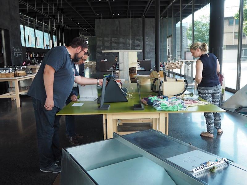 """... innovativ auch der Blick in den """"Werk.Raum"""", in dem junge Künstler, Kreative & Erfinder ihre Werke ausstellen ..."""