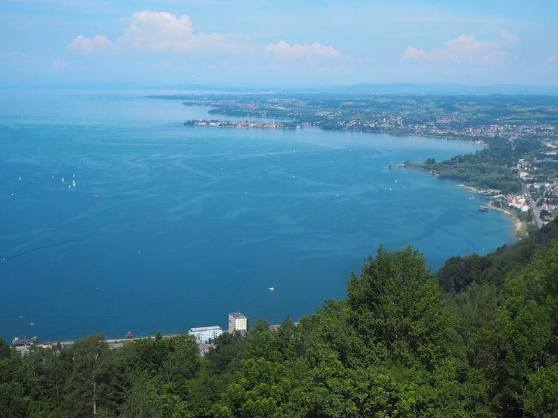... zum Abschluss noch der Blick über selbigen, tiefblau und schier endlos, wie ein Meer in den Bergen ...