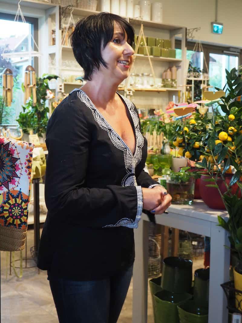 """Zu guter Letzt heißt uns noch diese """"Gartendame aus Leidenschaft"""", Karin Szing willkommen ..."""