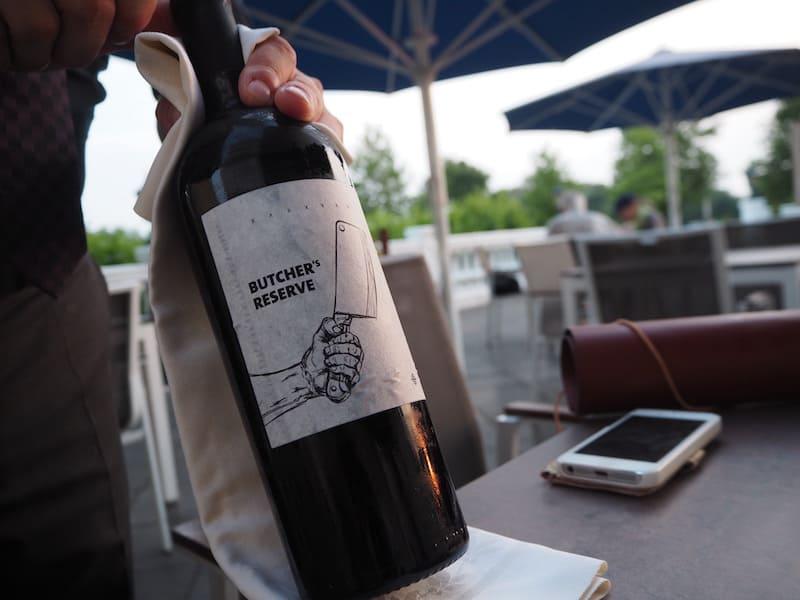 """... ob daran auch der gute Wein """"Schuld"""" ist, der uns abends zum genüsslichen Menü serviert wird ..?"""