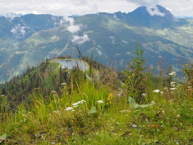 ... selbiger übrigens gerade von der Bergstation besonders schön ersichtlich.