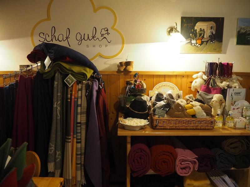 """Und im """"Schaf Gut Shop"""" einkaufen gehen ..."""