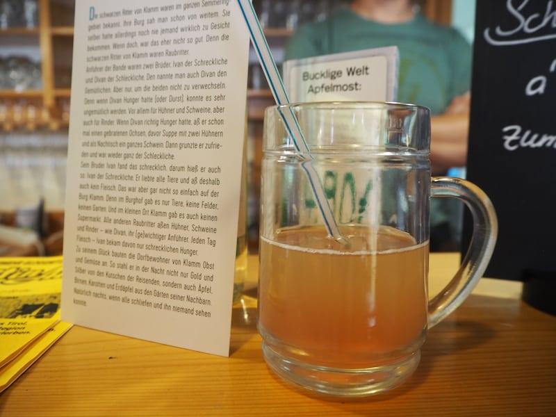 ... in der es gemäß der Mostheuriger-Tradition köstliche, selbstgemachte Getränke ...