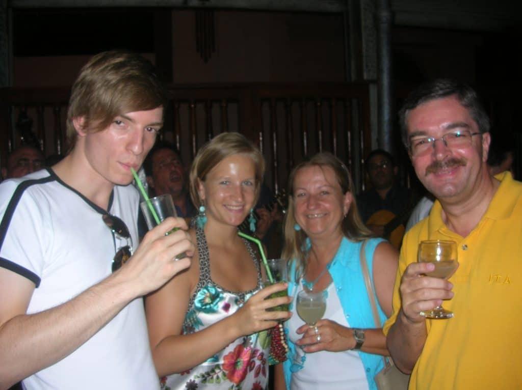 Prost Mahlzeit, liebe Familie !!!