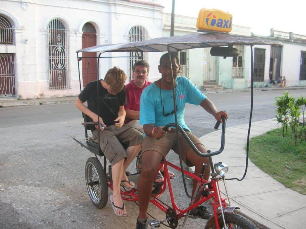 ... und ganz gleich, wie Ihr Euch in Kuba fortbewegt ...