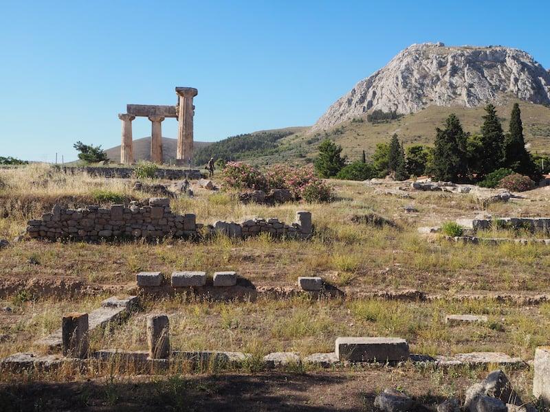 Im Norden des Peloponnes, am Isthmus zwischen Athen & Patras gelegen, befinden sich die alten Tempelruinen der Stadt Korinth ...