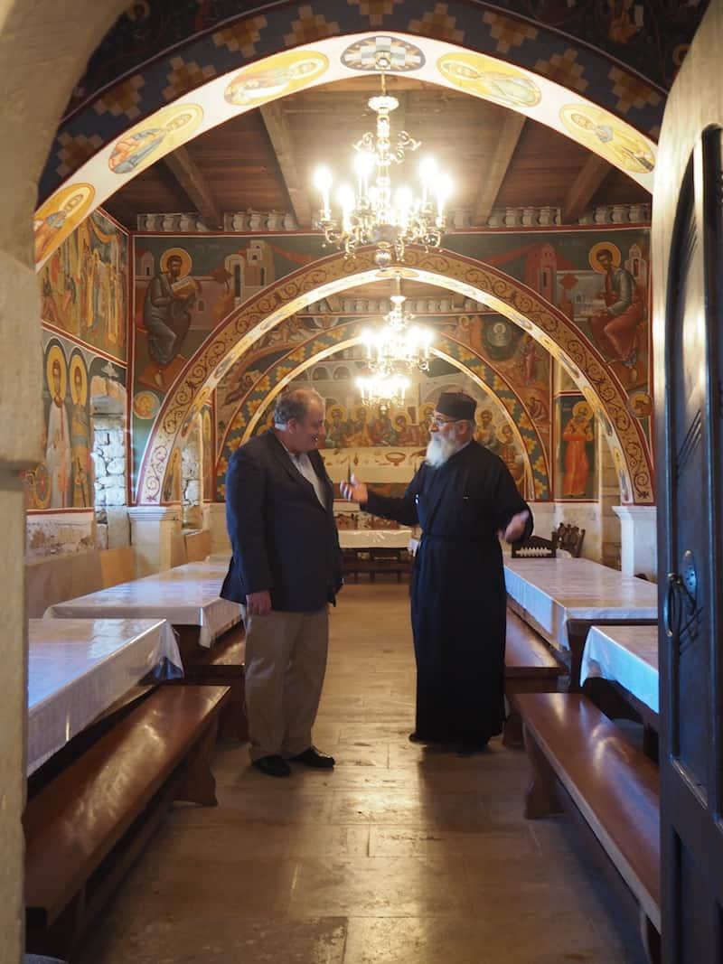 ... sowie beim Rundgang durch das Kloster mit meinen griechischen Kollegen, spüre ich die Offenheit und Begegnungsqualität hier ganz deutlich.