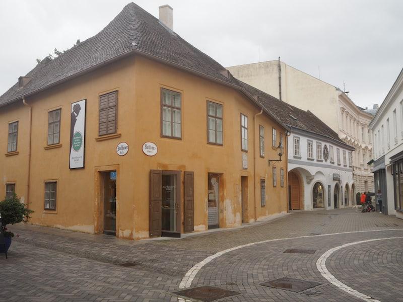 Im stadtbekannten Beethovenhaus von Baden ...
