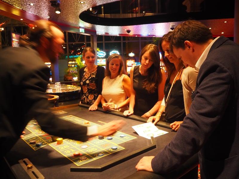 """Und diesmal habe ich bei """"Dinner & Casino"""" tatsächlich mehr gewonnen, als ich anfangs besessen habe ..!"""