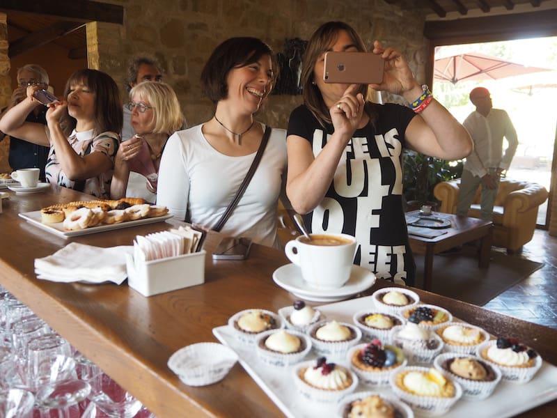 ... sowie der (vielleicht noch wichtigeren) Kaffeepause in Borgo Lanciano ...