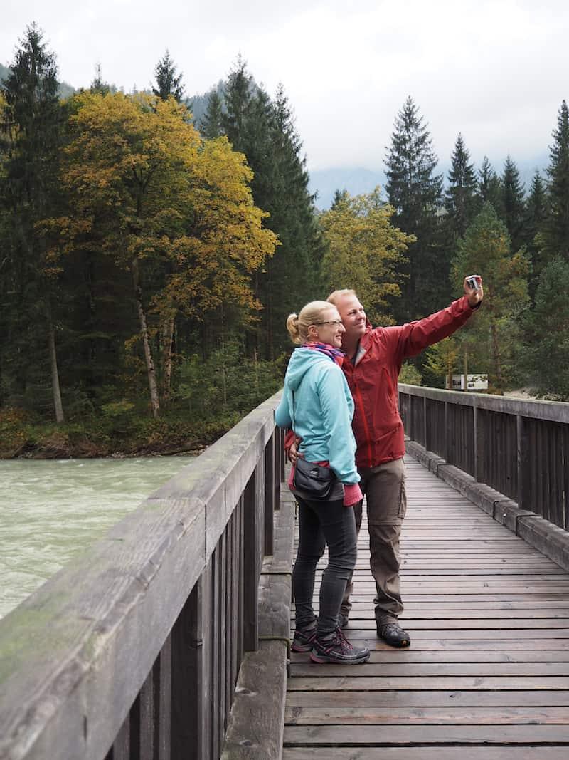 """Die anschließende, kurze Wanderung zum Fluss Enns, deren """"Sausen"""" namensgebend für den Nationalpark Gesäuse ist ..."""