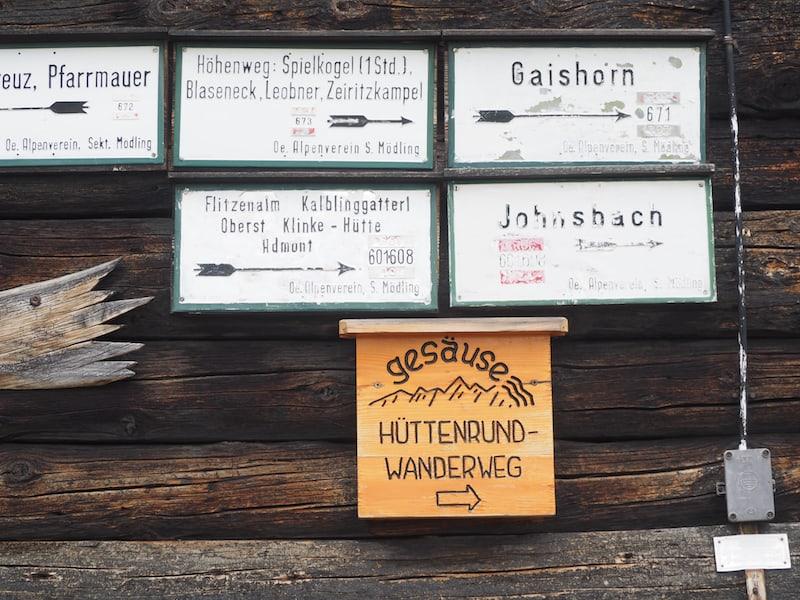 Die Mödlingerhütte ist übrigens Teil des Österreichischen Umweltzeichens und achtet auf eine sorgfältige Recycling- und Wasserschutzanlage.