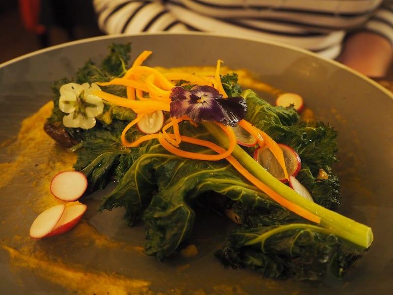"""... vegetarisch-veganen Restaurants vor, über das Euch meine Freundin Antonia aka """"The Vegan Rainbow Blog"""" gerne mehr erzählen wird ..!"""