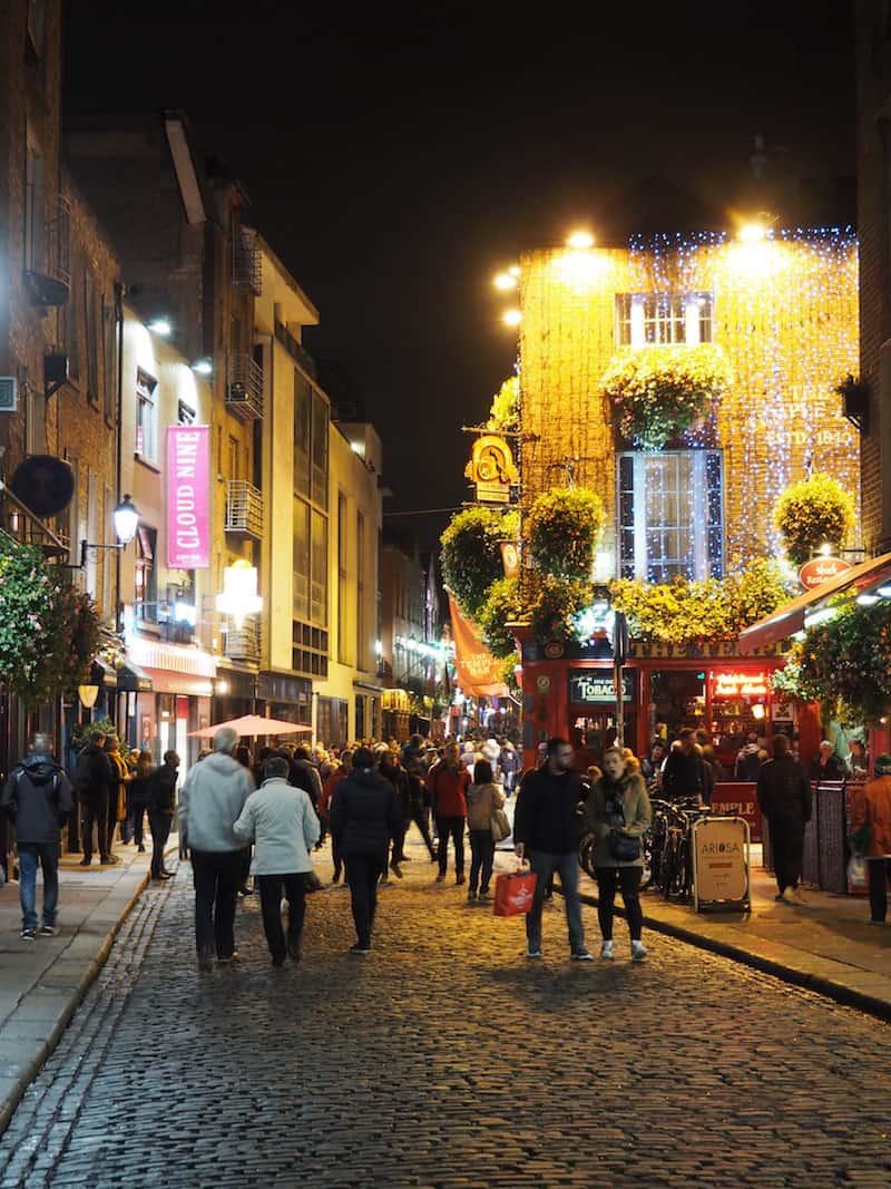 ... bevor wir selbiges in Dublin's berühmter Temple Bar wiederholen, bevor es auch schon wieder nach Hause geht: Irland, Du wirst mir fehlen!