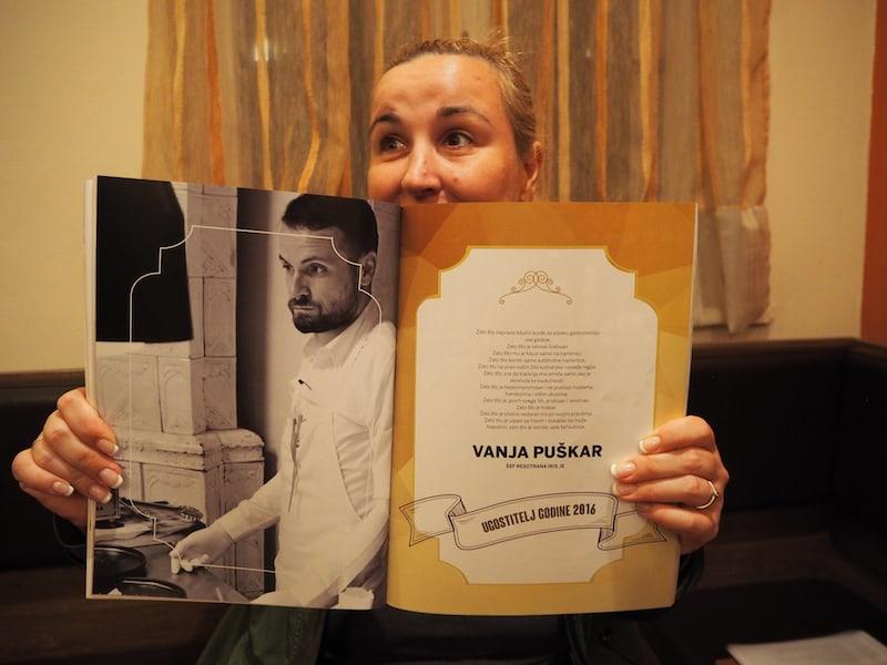 Kennt Ihr schon Vanja Puškar?, scheint Aleksandra hier unterstreichen zu wollen ...