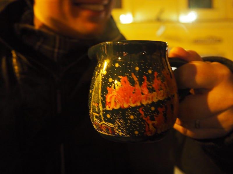 Nun aber ist es Zeit für eine kleine Stärkung, zum Beispiel mit Wolfgang's Feuerzangenbowle hier ...