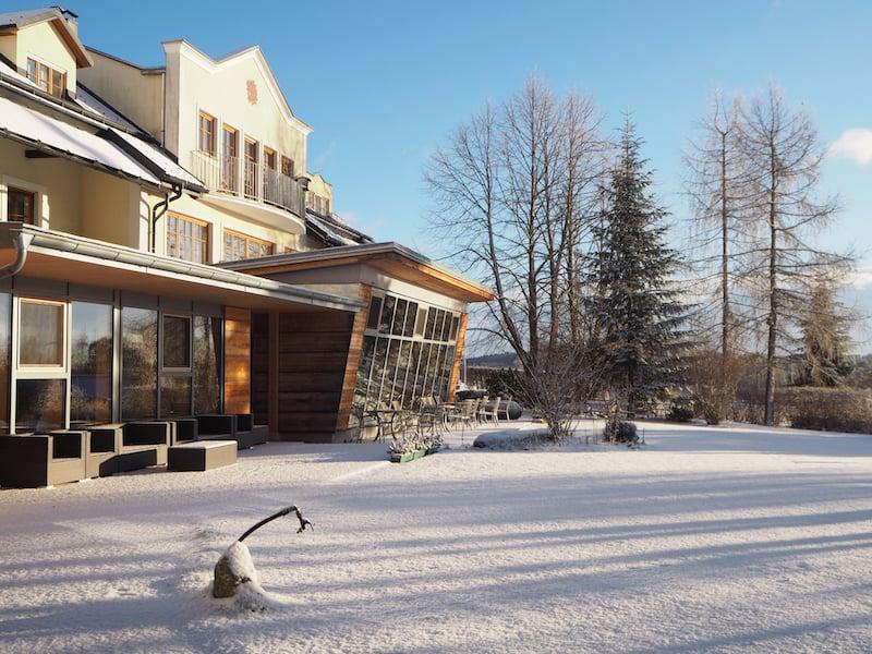 Einfach nur zauberhaft: Das Gesundheitshotel Klosterberg in Langschlag in all seiner winterlichten Pracht ...