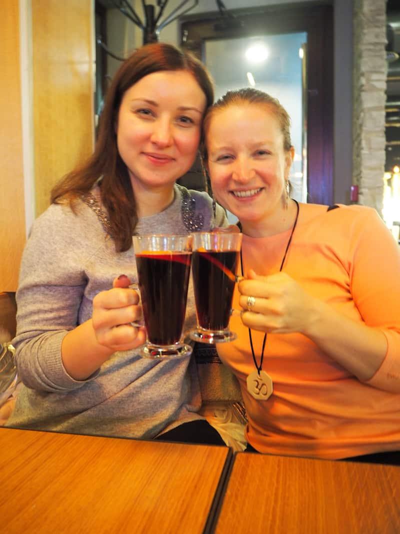 """... Glühwein zwischen """"Elena & Elena"""" (neue Freundin aus Russland!) ..."""