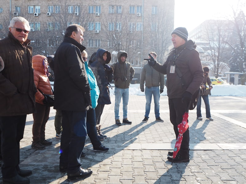 Bei der erstmaligen Ankunft in Bulgarien empfiehlt sich die Stadtführung durch Sofia, wie beispielsweise hier mit unserem Guide Rosen Potzkov ...