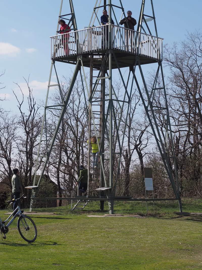 ... gesehen übrigens von diesem ehemaligen ungarischen Wehrturm aus ...