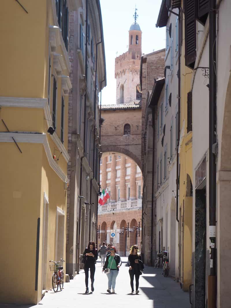 ... aber auch rundherum gibt es einiges zu entdecken, zum Beispiel das nicht weit entfernte Kleinstädtchen Foligno ...