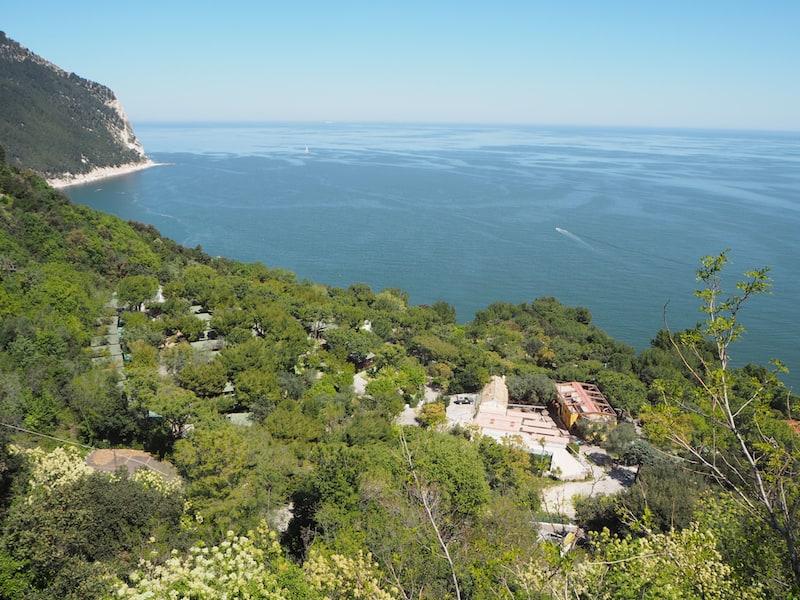 ... oder aber auch die Küste der Regione Marche, wie hier etwas weiter südlich von Ancona ...