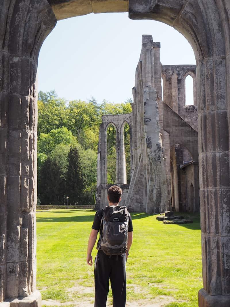 ... an dem vormaligen Zisterzienser-Kloster Walkenried, dessen Ruine heute zum UNESCO-Welterbe zählt und das sich direkt gegenüber der Ferienwohnung befindet.