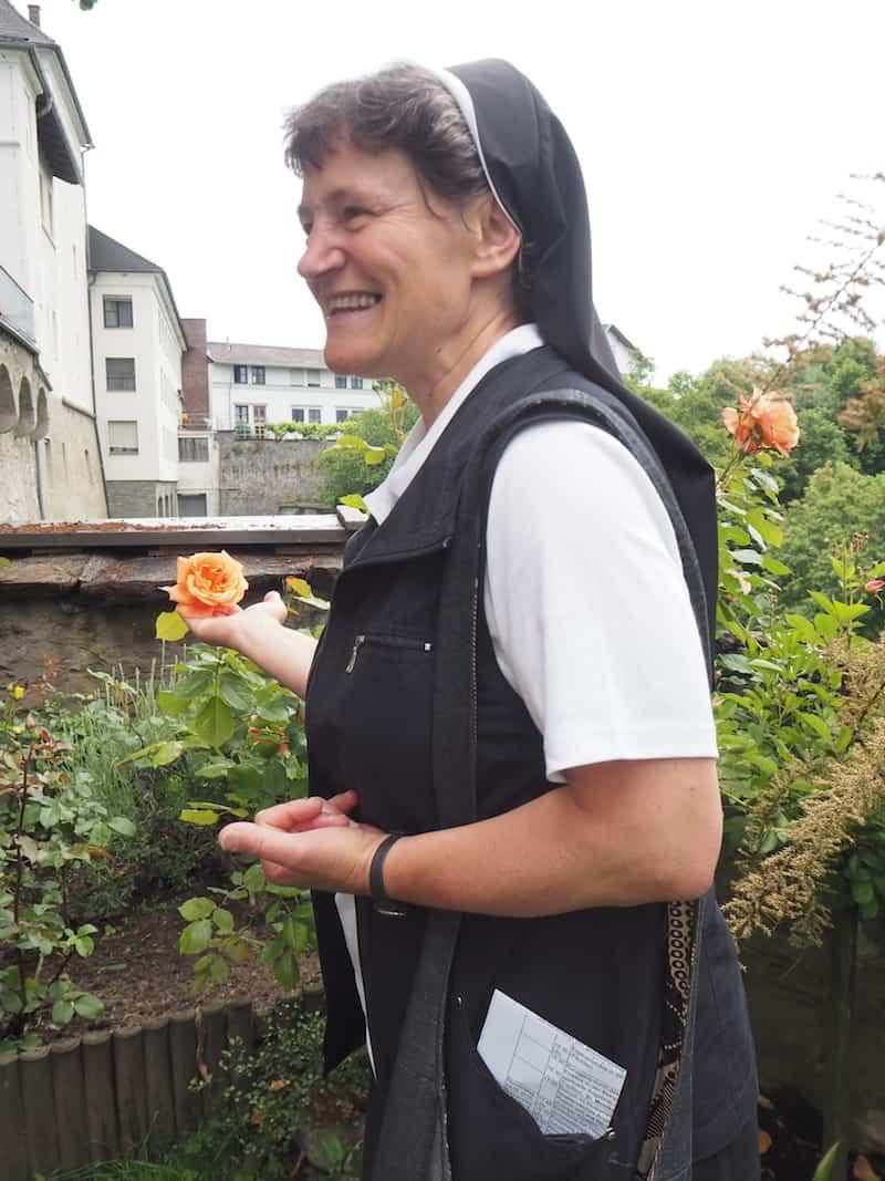 ... führt an IHR nicht vorbei: Klosterschwester