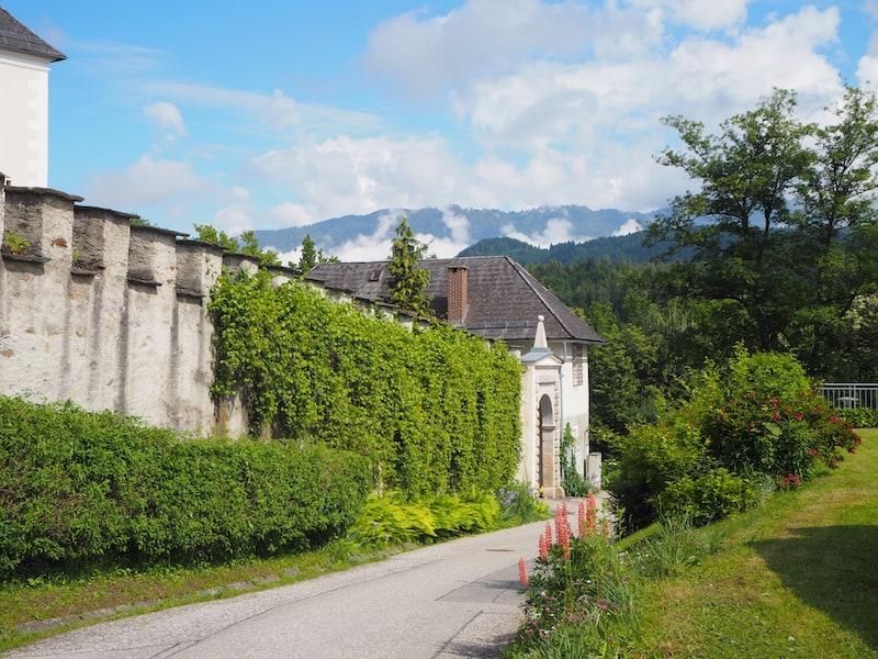 ... der Weg ins Kloster Wernberg ...