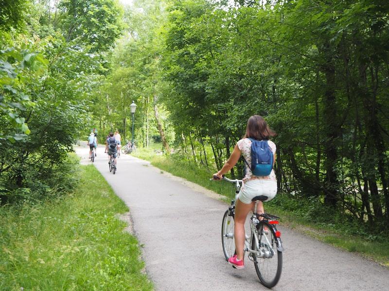 ... radeln wir kurz auf dem Helenental-Radweg ...