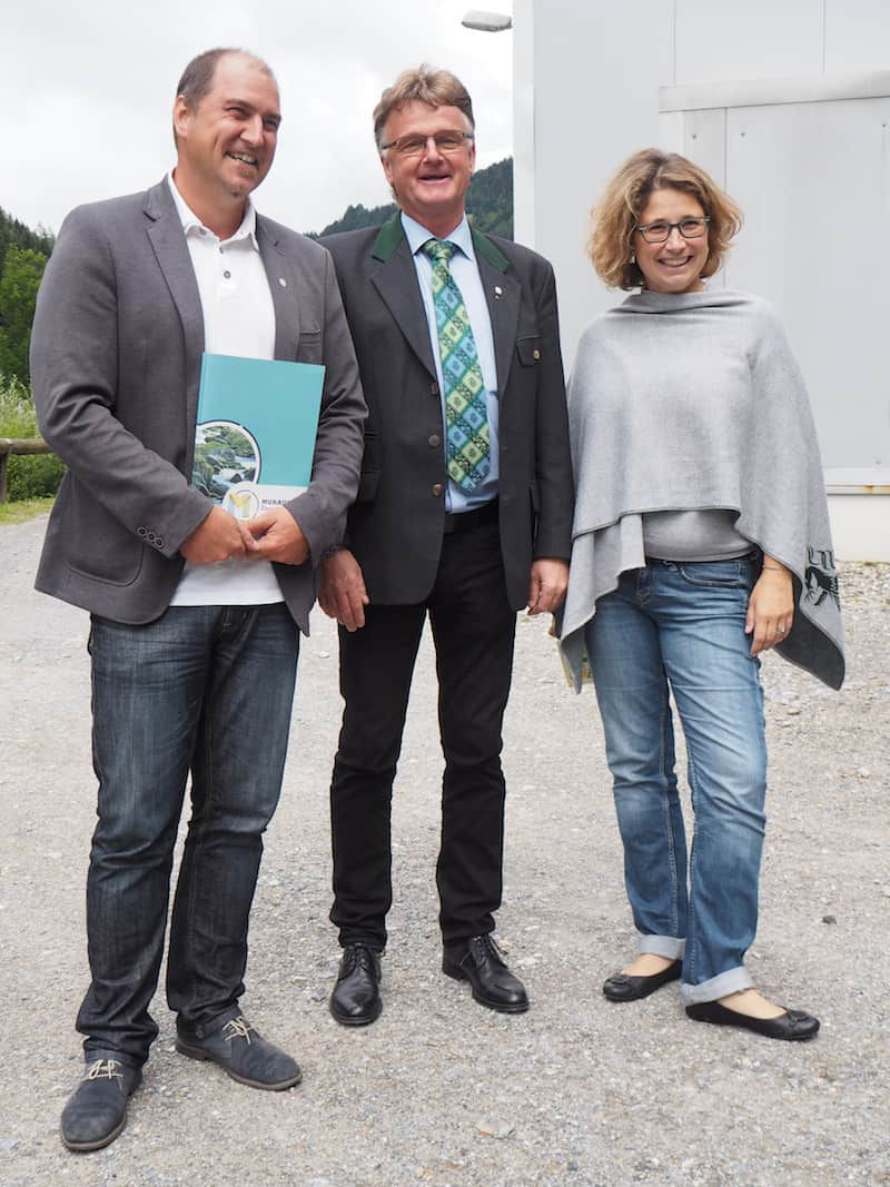 Das mit der Umwelttechnik aber wollten wir dann doch genau wissen, und haben Tamara Schellander (hier ganz rechts im Bild) gebeten, uns die Herren Ing. Kurt Woitischek sowie Thomas Tausch vorzustellen ...
