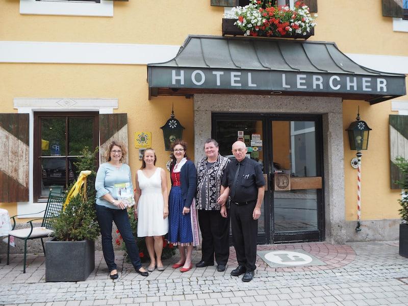 ... sowie das Hotel Lercher ...